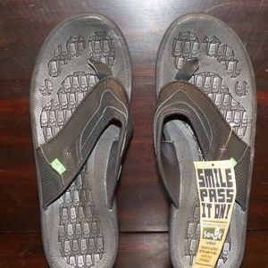 Men's SANUK HIGHLINE Black Sandals NWT